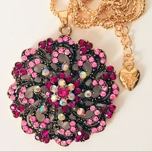 NEW! CRYSTAL PINK/MAGENTA/AB SWEATER NECKLACE